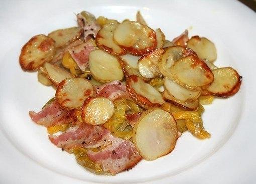 Печеный картофель с беконом