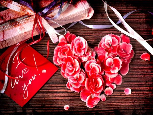 Валентинка с лепестков